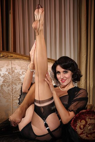 Couture Stockings - Eva Outline Heel
