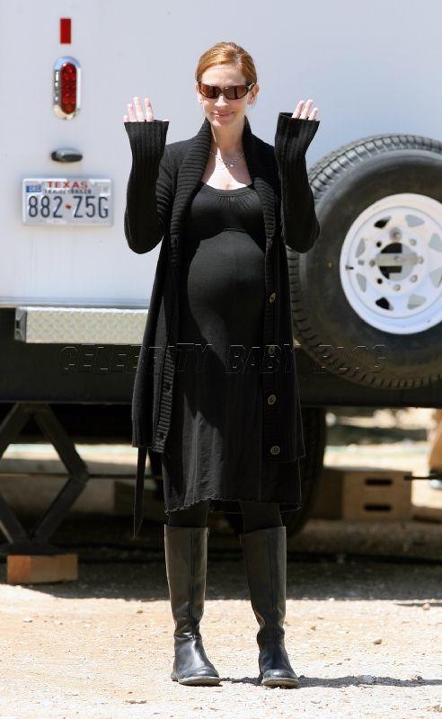 Julia Roberts pregnant