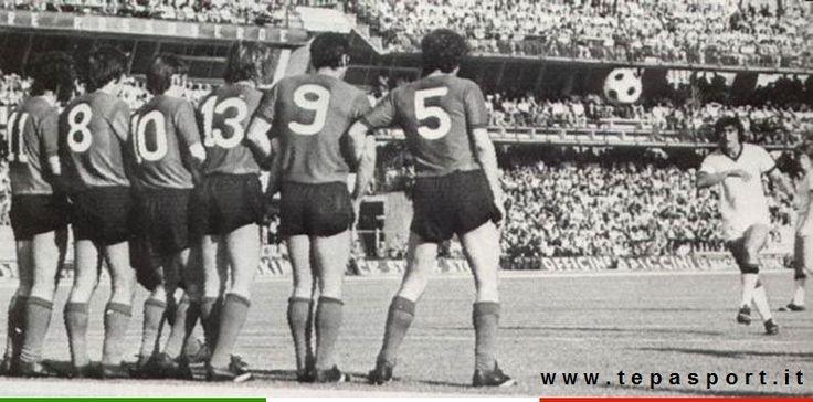 Ternana Calcio S.p.A. - A.C. Milan 1-3  Egidio Calloni, autore di una tripletta, segna su punizione ... ⚽️ C'ero anch'io ... http://www.casatepa.it/  Made in Italy dal 1952