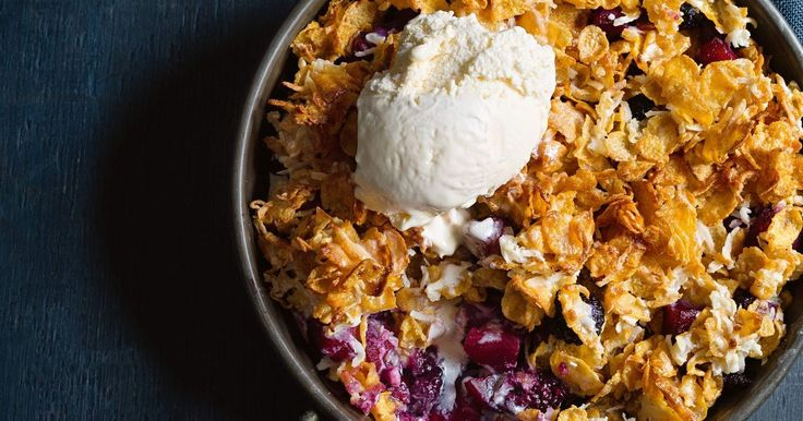 Use good old cornflakes as a cheat's crumble topping for this apple and blackberry dessert.