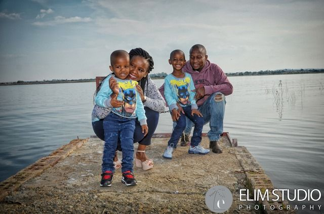 Client:- Keneilwe and her family @ Pickles and Peppers Klerksdorp Photographers:- Elim Studio Elim Studio is professional Klerksdorp Photographers situate