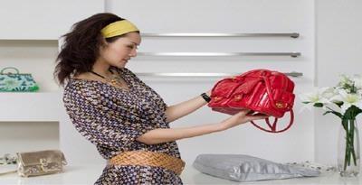 Cara Membedakan Tas Asli atau Palsu, Banyak perempuan tergila-gila dengan tas. Sebuah designer bag dapat berharga puluhan