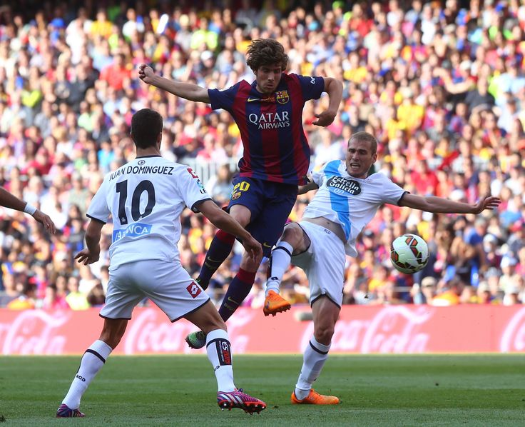 Sergi Roberto ante dos rivales
