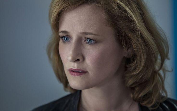 """Interpretează personajul principal feminin din cea mai nouă producţie HBO Europe, realizată în România. """"Valea Mută"""" este o miniserie fulger, de 4 episoade, în care totul se derulează la limită. Iar Rodica Lazăr are un rol cu care mulţi telespectatori vor empatiza: o femeie care luptă pentru dreptate. """"Valea Mută"""" este o adaptare a unui …"""