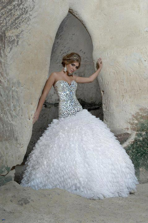 17 best ideas about glitter wedding dresses on pinterest for Add sparkle to wedding dress