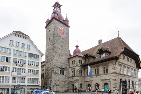 Zivile Hochzeit in der Stadt Luzern, Hochzeitsfotograf Reportage