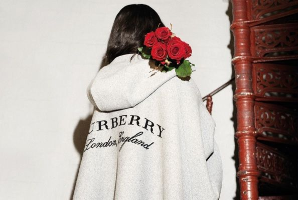 Pilihan Hadiah Valentine Spesial dari Burberry : Marie Claire Indonesia