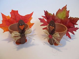 turkey pots - would be nice for Thanksgiving place settings