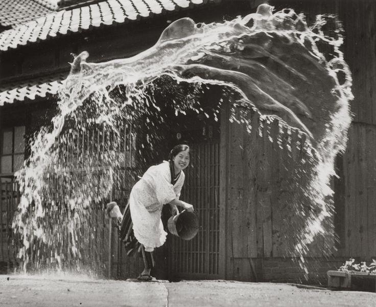 """Photographe anonyme - Japon, 1954 Courtesy Galerie Lumiere des roses"