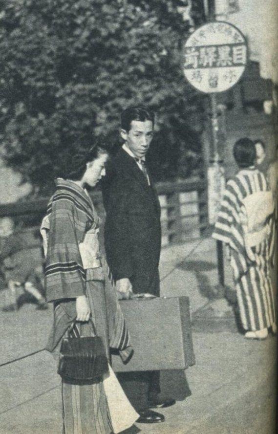 戦前~戦後のレトロ写真(@oldpicture1900)さん | Twitter 雰囲気有りますネ〜… 今, 若い人がこういう格好したら却ってカッコイイかも…
