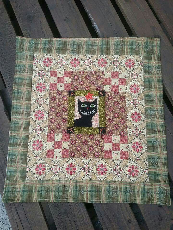 """""""Smile"""" by Country Threads punchneedle + quilt"""