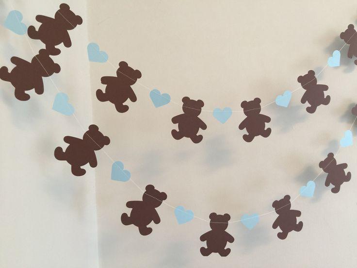 ¡Perfecto para una fiesta de cumpleaños de la comida campestre del oso de peluche! Hacer esta guirnalda de papel 6 o 10 pies con 3 pulgadas de alto stock marrón tarjeta ositos y entre cada he utilizado un corazón stock de 1.5 pulgadas tarjeta azul claro! Tomar las formas y