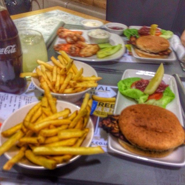 #chicagoribshack on Instagram shynefx #Chicagoribshack #the #chicago #rib #shack #westfields #london #stratford #stratfordcity #burger #food #chips #chicken #coke