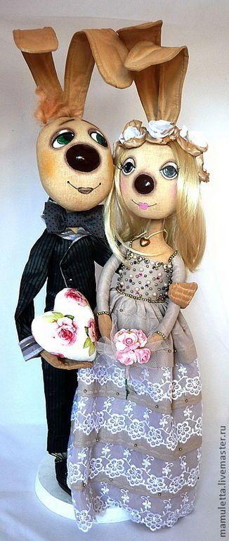 Купить или заказать Свадьба в  винтажном  стиле. в интернет-магазине на Ярмарке Мастеров. Очаровательная пара молодоженов, выполнена в стиле Винтаж. Куклы из грунтованного текстиля на проволочном каркасе. Стоят на подставке. Оригинальный подарок молодоженам, долго будет напоминать о самом важном событии в их жизни.