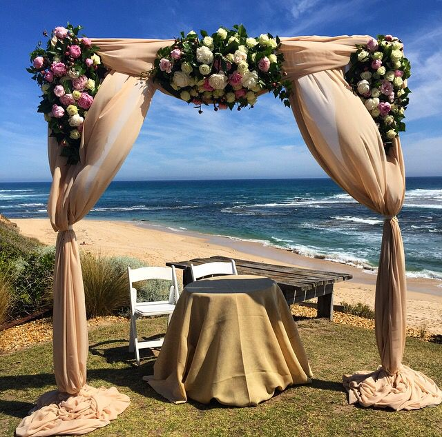 Decorit events ceremony setting @sorrento @decoritevents #ceremony #beach wedding #floral
