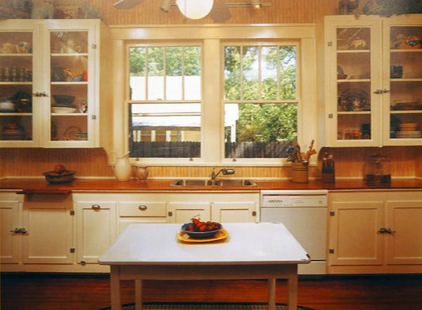 Bungalow kitchen window and cabinets kitchen ideas for Butter cream colored kitchen cabinets