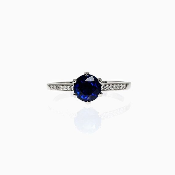 Petite Crown ring with Blue sapphire in Platinum