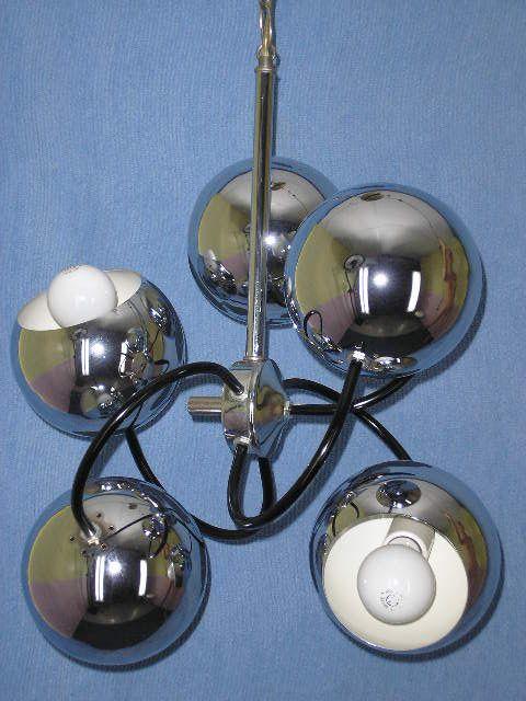 Space age sputnik. ceiling lamp. Lampe suspendu.