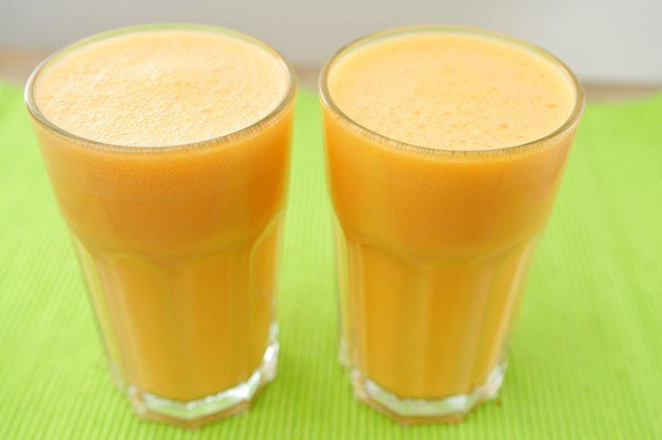et is een verrassende combi: ananas en wortel. Maar het gele fruit en de oranje groente gaan goed samen. Een smoothie maken is erg simpel, voor dit smoothie recept heb je echter wel twee apparaten nodig: een blender en een sapcentrifuge.