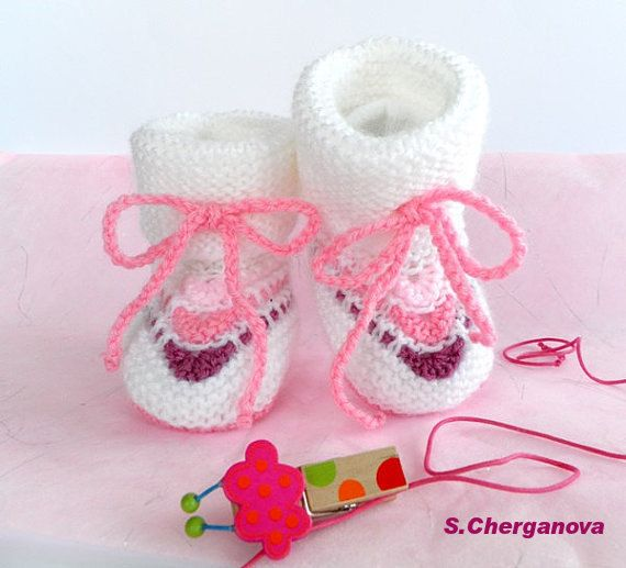 Knitted baby booties  white and pink baby by Svetlanababyknitting