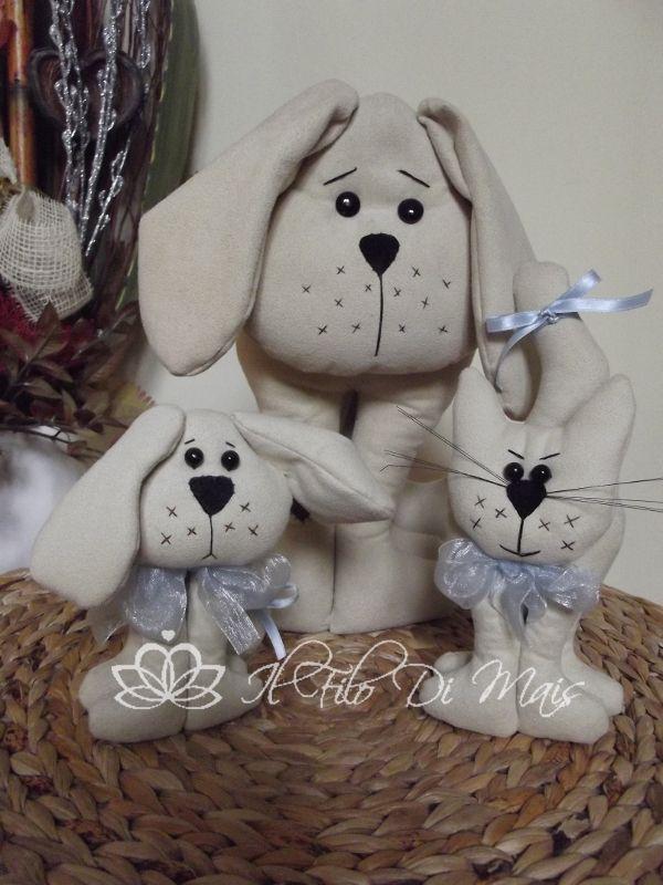 Micio e cane http://ilfilodimais.blogspot.it/2012/02/animaletti-in-stoffa.html