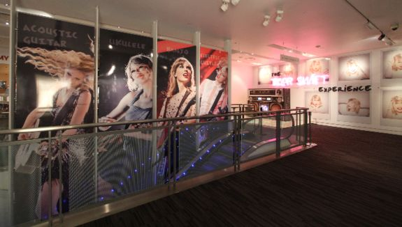 THE TAYLOR SWIFT EXPERIENCE EXTENDED AT GRAMMY MUSEUM : Taylor Swift