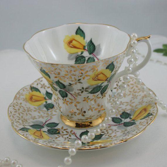 Vintage Royal Albert Teacup & Saucer Delicate by TinasDecor