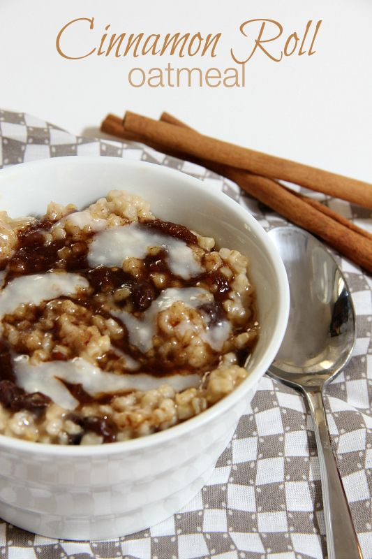 Nothing is better on a cold morning than a big bowl of steel cut oatmeal....well, except a big bowl of Cinnamon Roll Oatmeal.