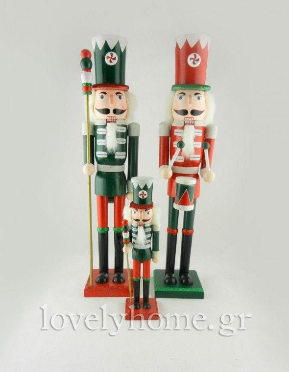 Χριστουγεννιάτικη διακόσμηση σε κόκκινο χρώμα
