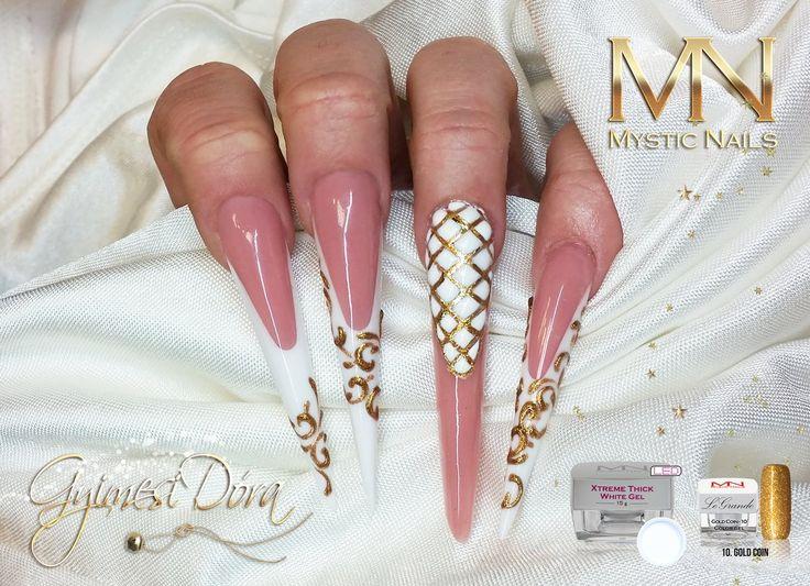Elegant Christmas nail art