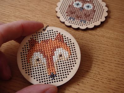 Lucy Kate Crafts : free cross stitch pattern!Charts, Crosses Stitches Pattern, Little Crafts, Embroidery Pattern, Free Pattern, Lucyk Crafts, Crossstitch, Cross Stitches, Foxy Foxes