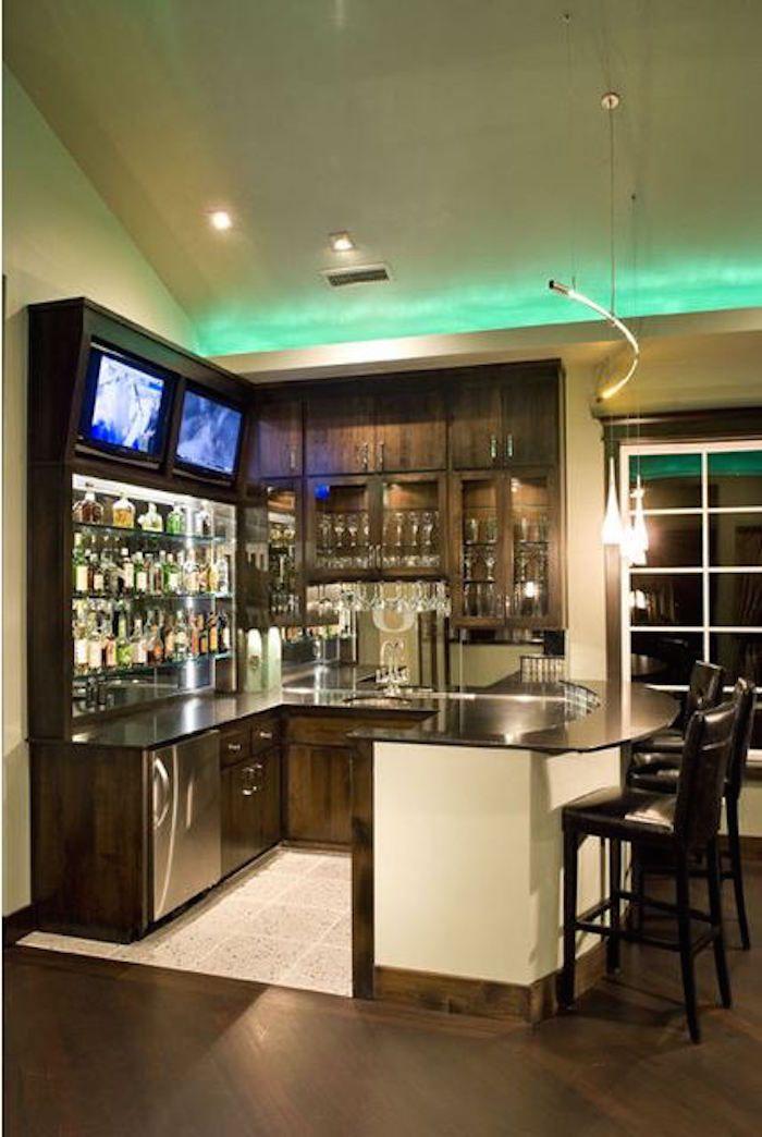 η γωνιά του μπαρ