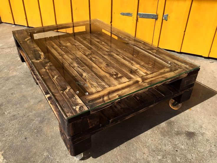 25 Best Ideas About Pallet Coffee Tables On Pinterest Rustic Couch Pine Wood Furniture And
