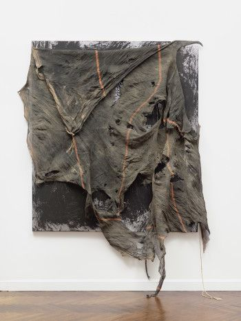David Hammons, Untitled, 2008–14. ©DAVID HAMMONS/TOM POWEL IMAGING, INC./COURTESY MNUCHIN GALLERY