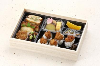 地雷也弁当 | 名古屋版 | 天むすの地雷也本店では、名古屋名物のてんむすをお弁当や宅配にてお届けしています。
