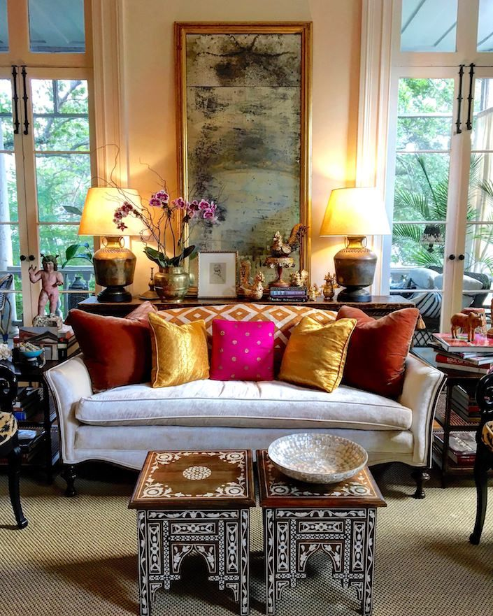 Susan Walker's Charleston home ABSOLUTELY LOVE THIS GLORIOUS, ECLECTIC LOUNGE ROOM, WITH ITS' FABULOUS MIX OF COLOURS, FABRICS & FURNISHINGS!! - LOOKS AMAZING!! #️⃣