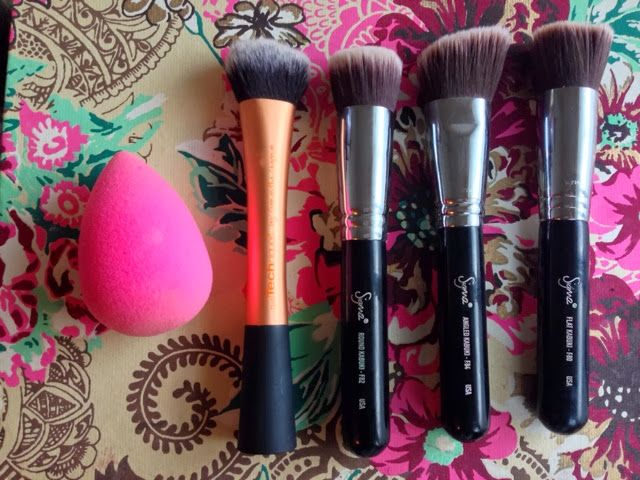 Meggie Frue: Makeup Monday: Foundation Application Tools And Brushes