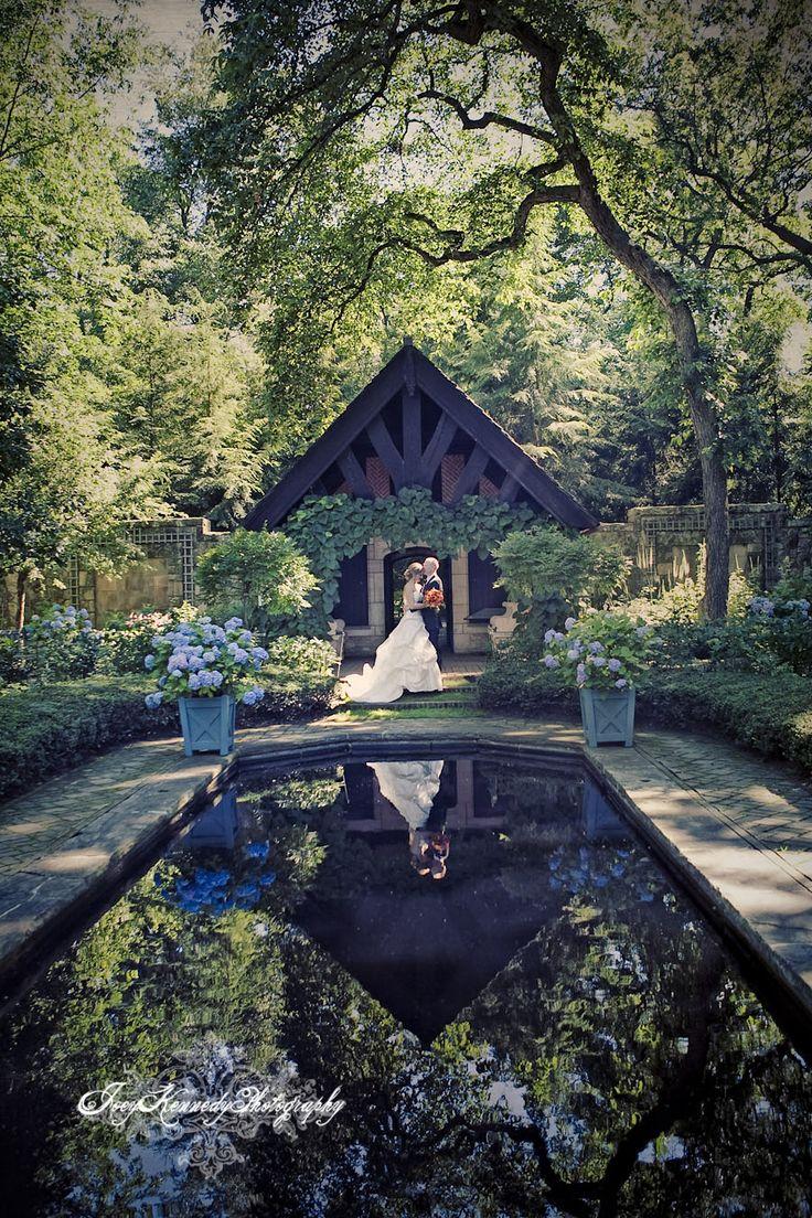 outdoor weddings near akron ohio%0A Wedding Photography in the English Garden