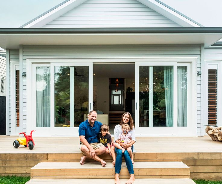 After a long stint overseas, a pair of clever renovators landed in Herne Bay and transformed an historic villa into a home fit for the modern family