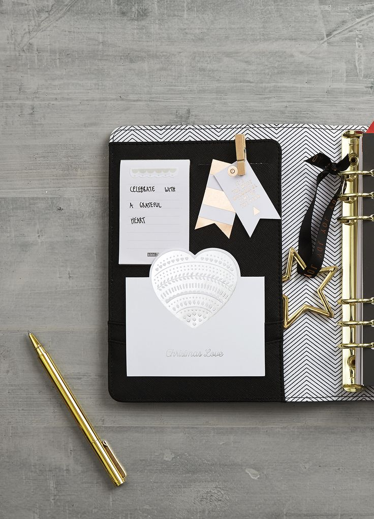 We love this star charm idea for your kikki.K Planner. Click for more decoration ideas.