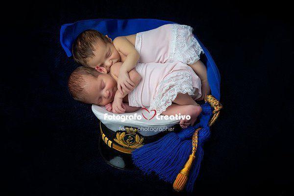 Fotografo Creativo (@FotografoBari) | Twitter Buongiorno mattinieri, nuovo lavoro. #neonato #guardiacostiera #puglia #MarinaMilitare #NewBorn #Freddie #Bari #love