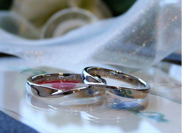 中心にひねりを入れたメビウスの結婚指輪  [marriage,wedding,ring,bridal,Pt900,マリッジリング,結婚指輪,オーダーメイド,ウエディング,ith,イズマリッジ]