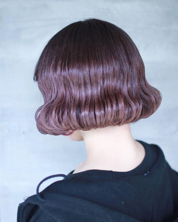 💜タンバルモリ💜 ダークピンクベージュです ブリーチを1回すると綺麗に仕上がります😊 仕上げは韓国巻きのタンバルモリで🇰🇷 . . ハイトーンしたい子 新規予約大歓迎です いっぱい来てー😊 . . #ダブルカラー #ハイトーン #タンバルモリ . . hair by SHINOBU . . 明日明後日は定休日を頂いております 水曜日以降のご予約お待ちしております😊 平日は12時から 土日は10時から どしどしご予約 お待ちしております🐥 nalu pu loa ohana ☎️03-5466-1919 . . カットモデル カラーモデル パーマモデル 引き続き募集しております 是非気軽にLINEへご連絡ください🌼 LINE hayaseshinobu . . . 2017/09/17✂️SHINOBU✂️ .