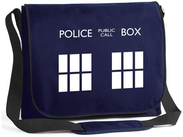 Doctor Who TARDIS Inspired Messenger Bag - I wish desperately that this was still available, but I can't find it anymore.