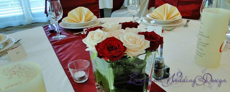 Esküvői dekoráció, asztaldísz, bordó asztaldísz