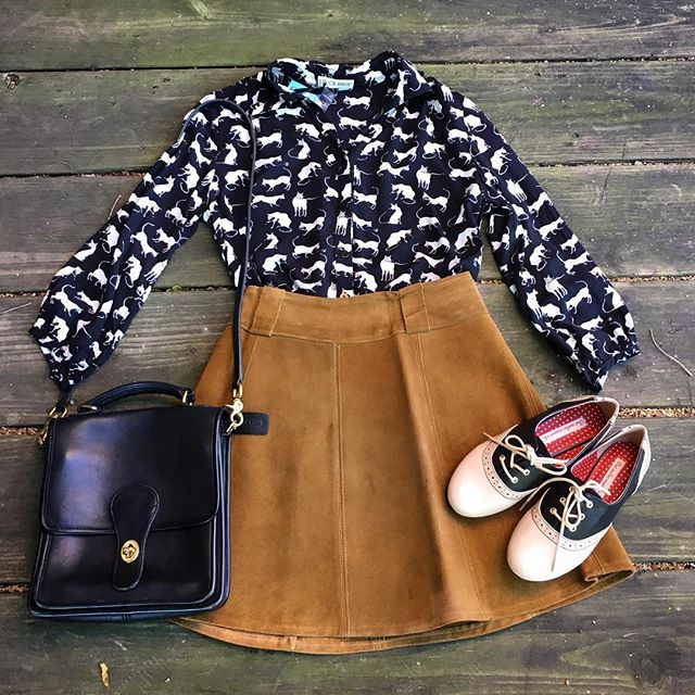 We are putting out more vintage leather today! This 1960s California-made wrap skirt (small, $58) just went on the racks! We paired it with the If You Please top (Frock Shop! Sizes XS-XL, $78), vintage Coach Willis Crossbody ($78), and Bait saddle shoes (sizes 6-9, $58). Cute!