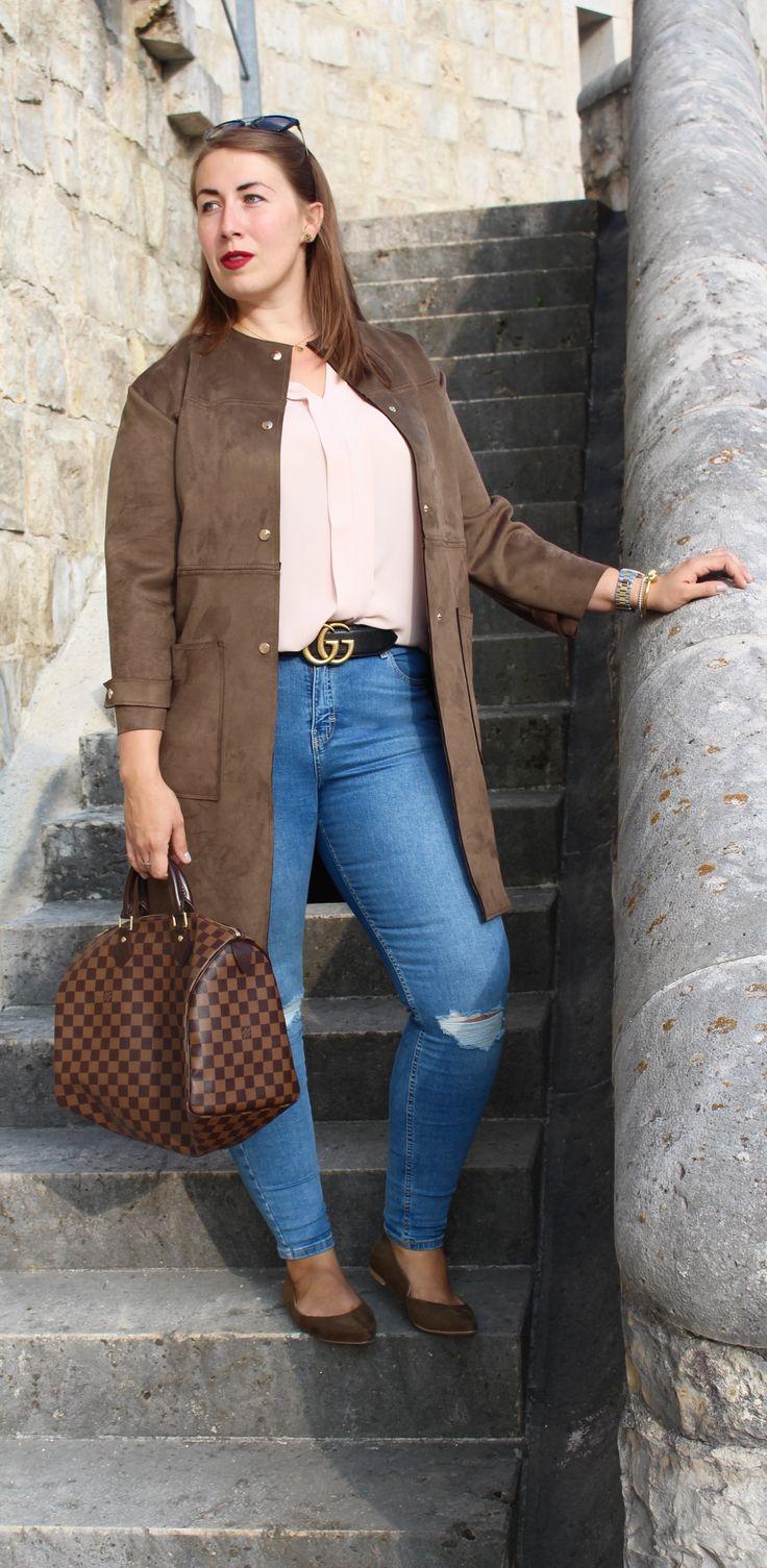 Herbstoutfit: Trendfarbe Khaki, Gucci Gürtel kombiniert mit Ripped Jeans und Louis Vuitton Speedy // So stylt ihr euer Casual Outfit stilsicher - WWW.MISSSUZIELOVES.DE