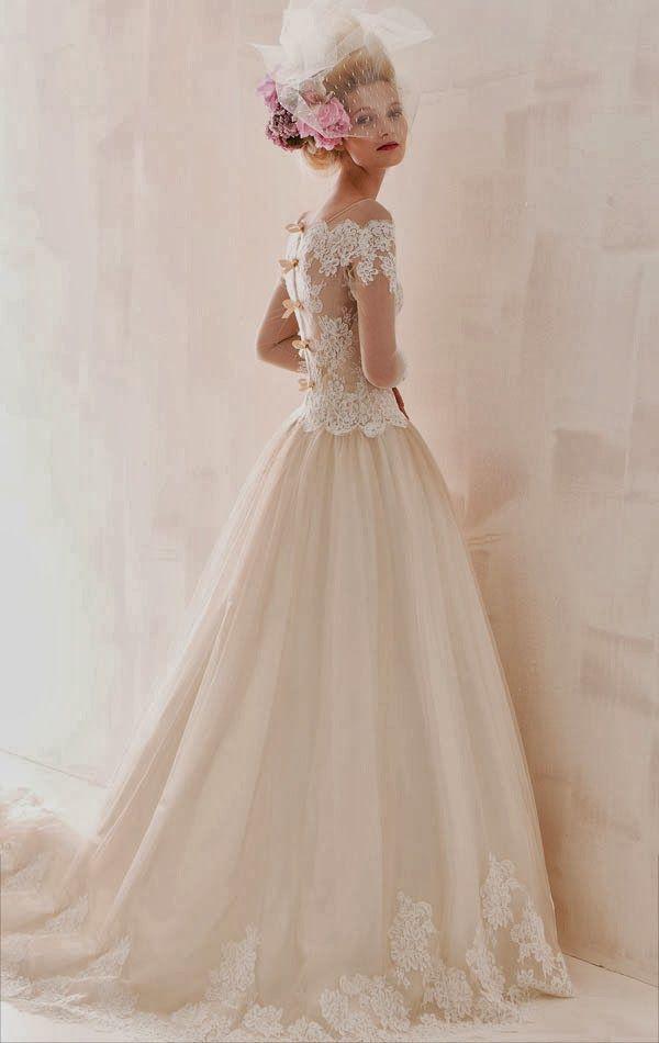 abito-sposa-2104-aimee-stile-vittoriano