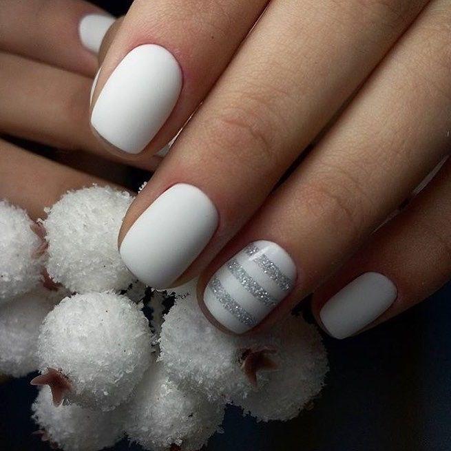 Evening nails, Medium nails, Nail art stripes, Nails ideas 2017, Original nails, Plain nails, ring finger nails, Short white nails