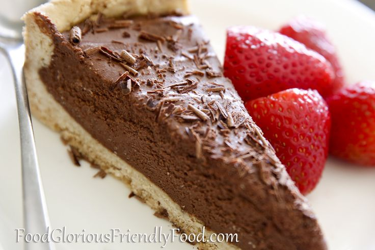 Gluten FreeChocolate Mousse Pie.  Rich, indulgent and easy to make!  Free from gluten, egg, nuts and refined sugar.  http://www.foodgloriousfriendlyfood.com/blog-and-recipes/gluten-free-chocolate-mousse-tart